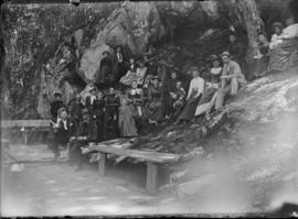 Large Group at Springs, pose 1