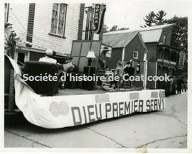 Cercle Lacordaire parade float