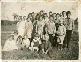 Students of the McLeod schoolhouse