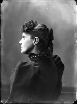 Profile shot of an unidentified woman