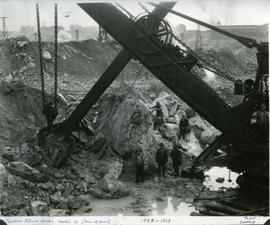 Steam shovel and miners, Asbestos, QC