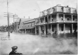 Richmond flood, at crossroads
