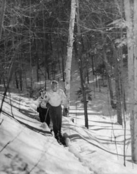 Skiers on Spier Trail, New Hampshire